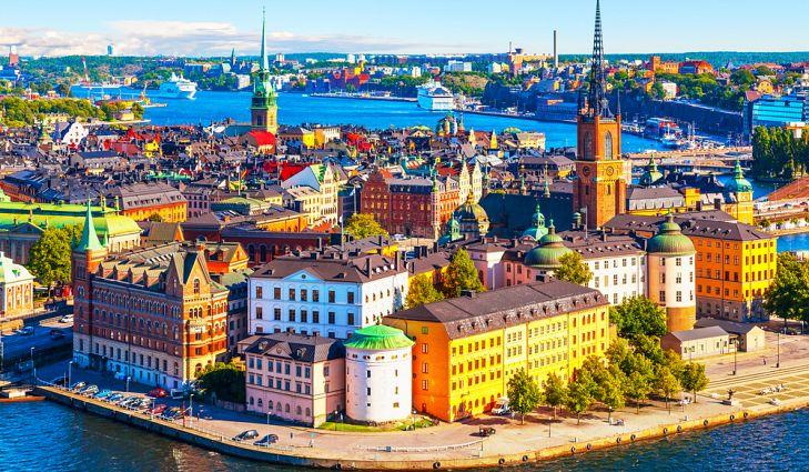 Знаменитый старый город Стокгольм – столица Швеции.