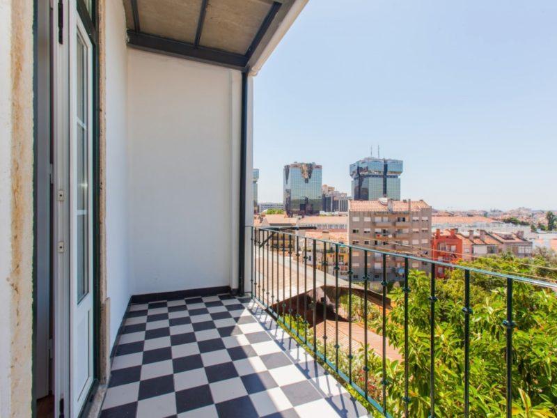 Квартира с видом на город в Лиссабоне