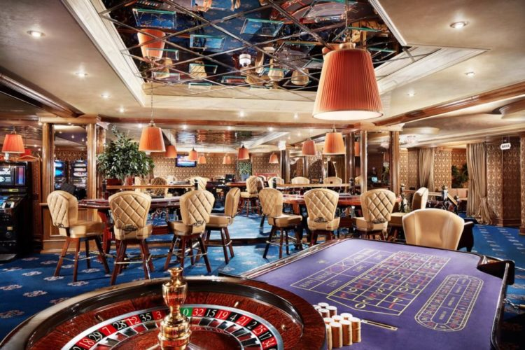 Самые большие казино в минске казино рояль 720p онлайн